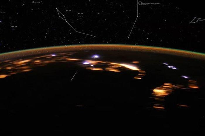 Malam Ini Puncak Hujan Meteor Lyrids