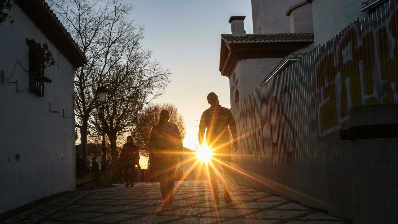 Muslim Berpuasa di Negara yang Mataharinya Tak Terbit