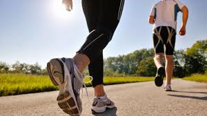 Olahraga lari di pagi hari