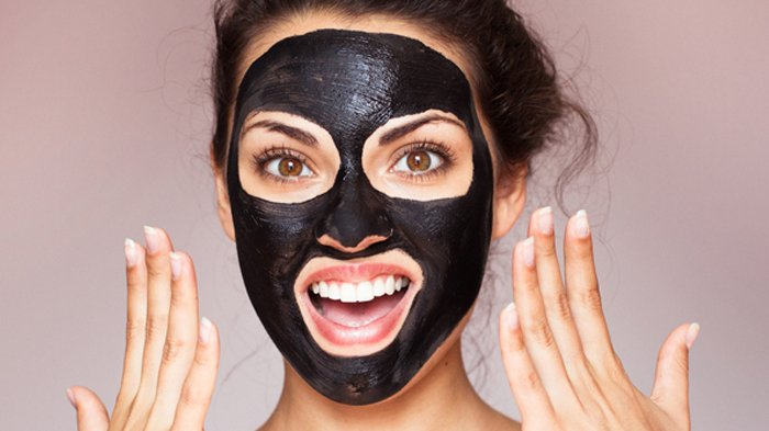 5 Rekomendasi Masker Charcoal, Si Hitam Yang Hype Banget!