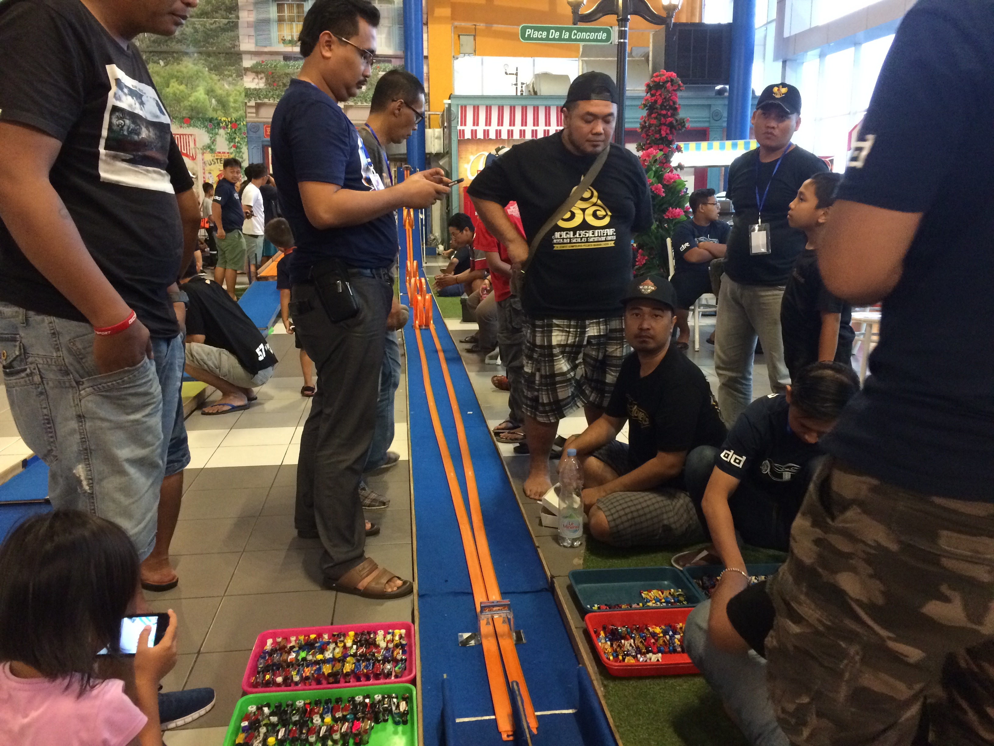 Adu Koleksi dan Kompetisi Hot Wheels di World of Carnival