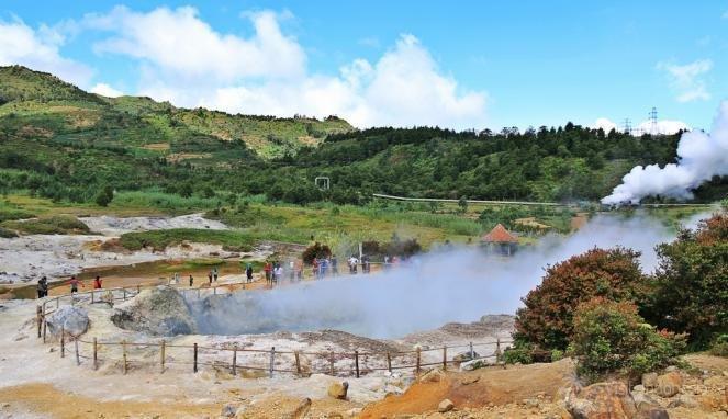 Akibat Pengunjung Yang Membludak Terpaksa Kawah Sikidang Dieng Ditutup Sampai 8 Januari 2021