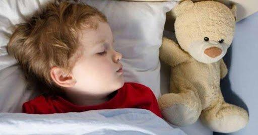 Anak Tidur Larut Malam Meningkatkan Risiko Obesitas