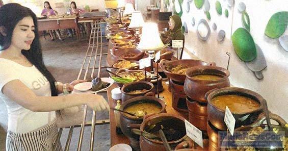 Asyiknya Makan Prasmanan Dengan Menu Khas Jawa di RM Omah Kuno di Pati