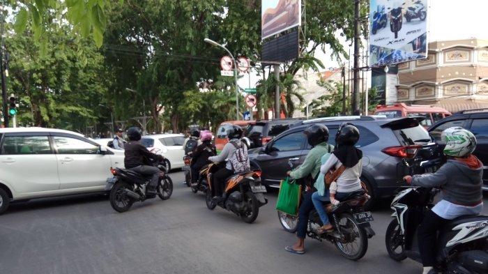 Kemacetan di Jl MH Thamrin Kota Semarang Dua Arah