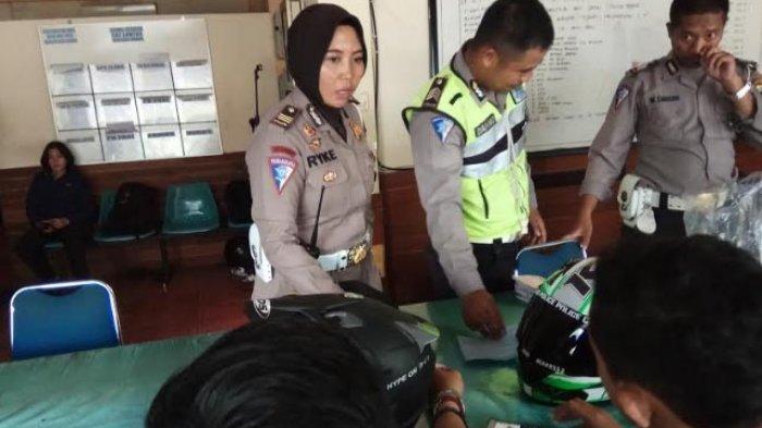 Bikin Ngakak! Inilah Pengaduan Lucu Yang Masuk ke Call Center Polrestabes Semarang