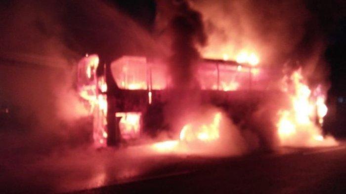 Bus Rosalia Indah yang terbakar
