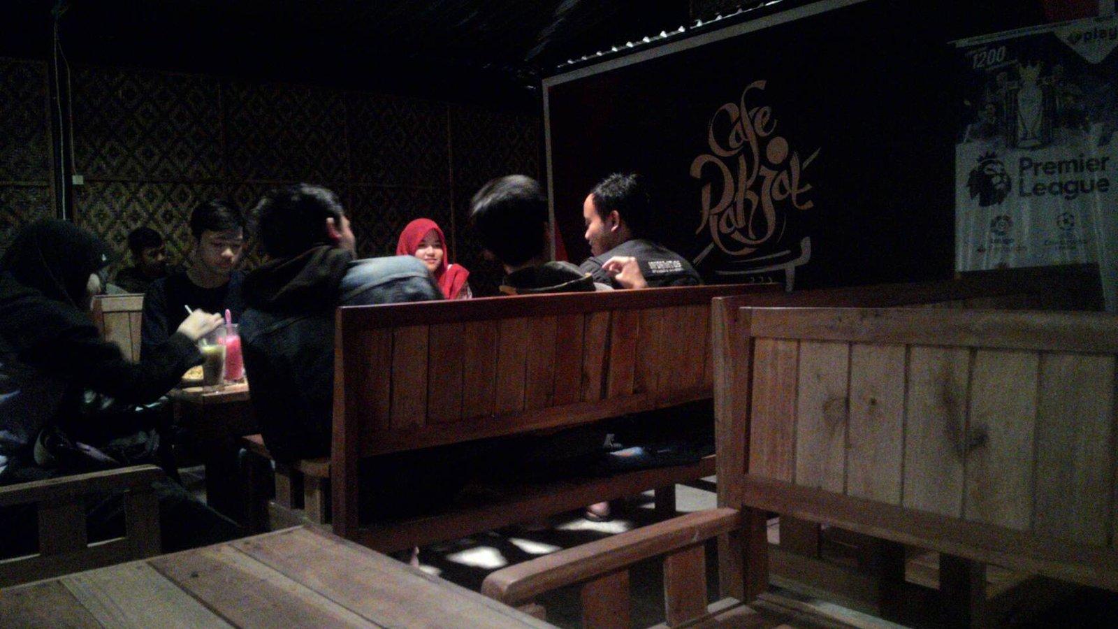 Cafe Rakjat Tempat Nongkrong Asyik Harga Mahasiswa