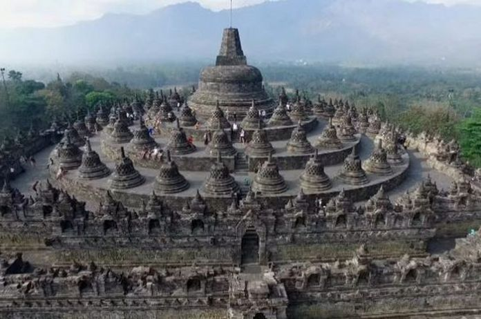 Candi Borobudur Batasi Pengunjung sampai Lantai 8 Mulai 13 Februari 2020