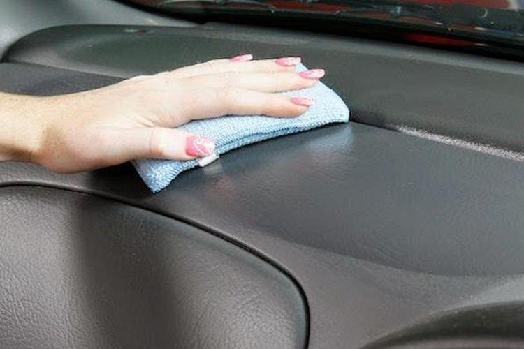Cara Merawat Dashboard Mobil untuk Hindari Efek Panas Matahari