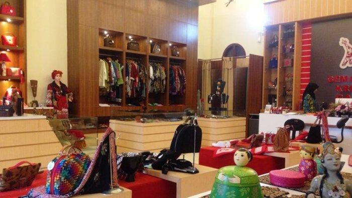 Cari Oleh Oleh Khas Semarang??? di Semarang Creative Galery Kota Lama Aja!
