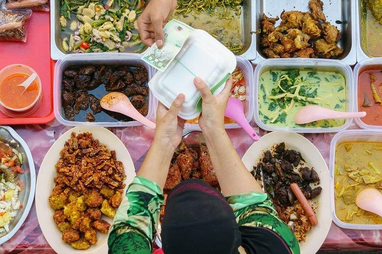 Cegah Penyakit Tifus dengan Jaga Kebersihan Makan