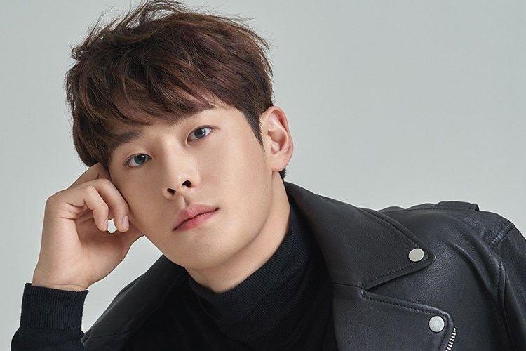 Personel boyband Surprise U dan juga aktor, Cha In Ha