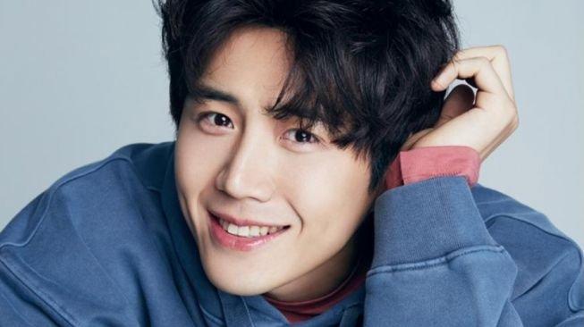 Diduga Sebagai Aktor K, Beberapa Brand Hapus Foto Kim Seon Ho