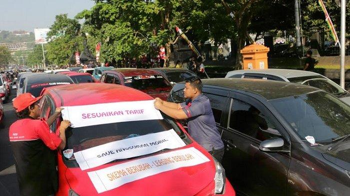 Pengemudi Taksi Online Menginginkan Tarif Skema Lama