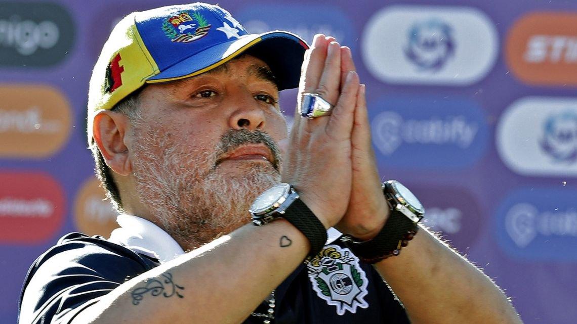 Dunia Sepakbola Berduka, Sang Legenda Diego Maradona Meninggal Dunia