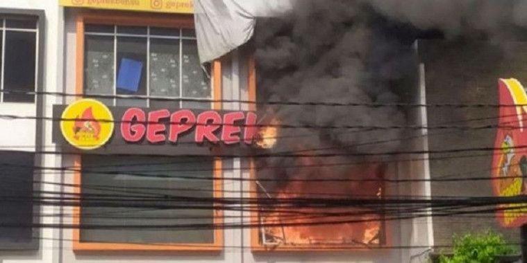 Gerai Geprek Bensu Kebakaran, Ruben Onsu Beri Klarifikasi Ini