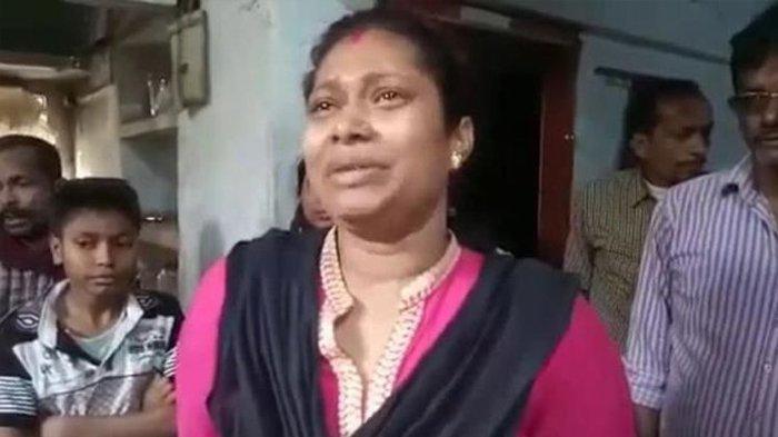 Rita Sarkar, perempuan asal West Bengal yang kehilangan ginjalnya karena dicuri sang suami demi menebus mas kawin-nya.