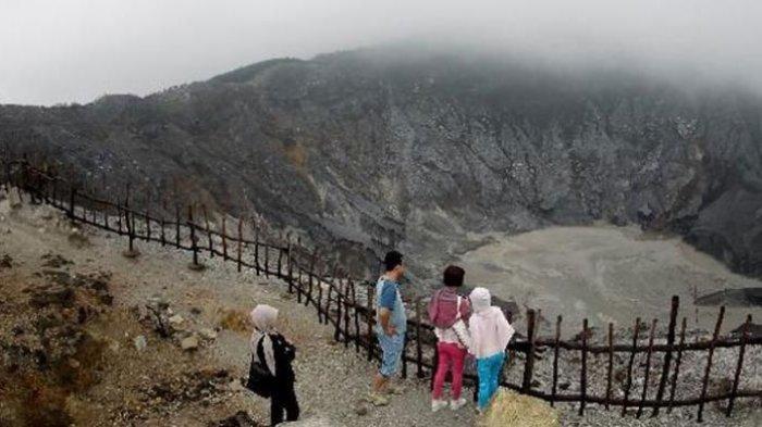 Gunung Tangkuban Perahu Erupsi Freatik