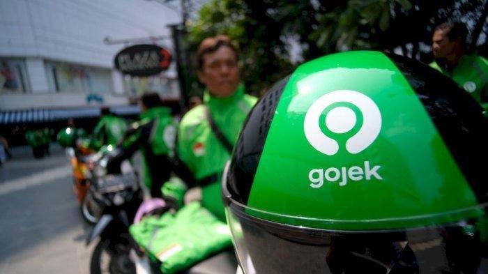 Logo GoJek Terbaru Terpampang di Helm