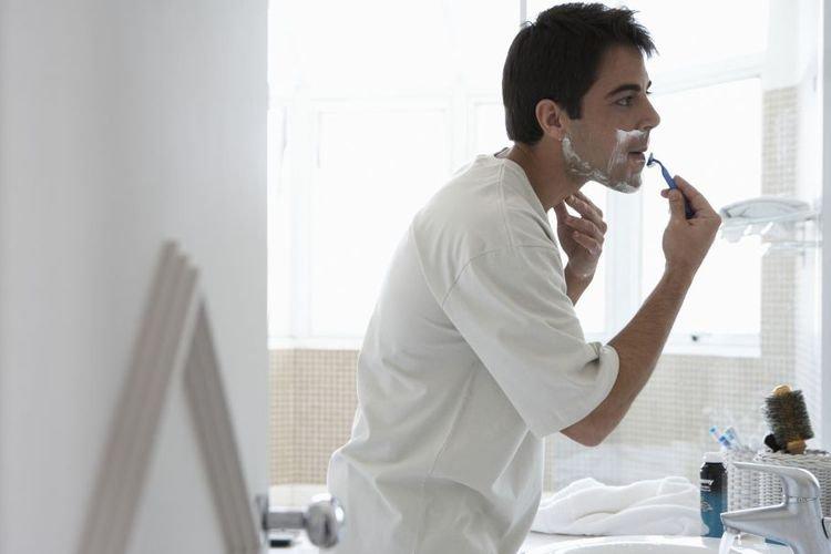 Ingin Cukur Tapi Punya Masalah Kulit Sensitif?,  Ini Dia Tipsnya