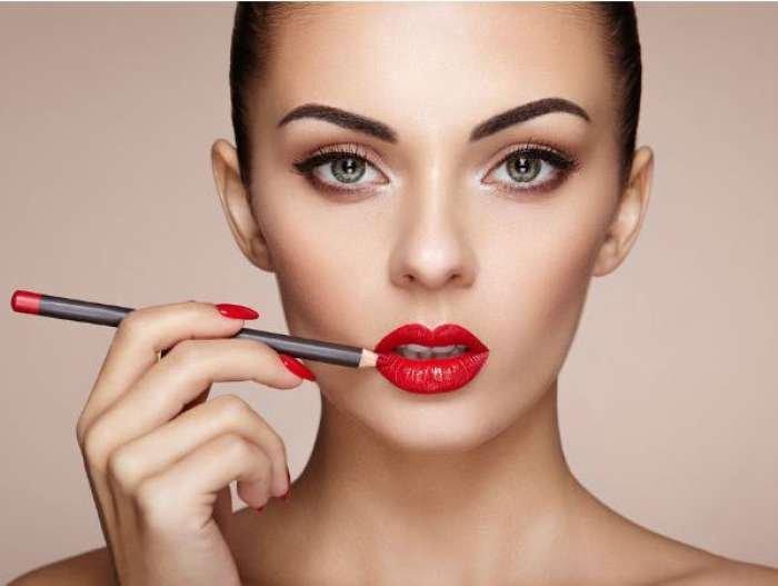 Ini Dia Tips Sederhana Agar Makeup Tahan Seharian, Yuk Buruan Dicoba!