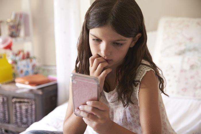 Ini yang Dapat Dilakukan Orangtua Ketika Buah Hati Jadi Cyberbullying Teman-temannya!
