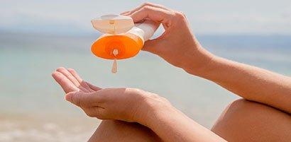 Kenali Bedanya Sunscreen Dan Sunblock Supaya Tidak Salah Dalam Membelinya