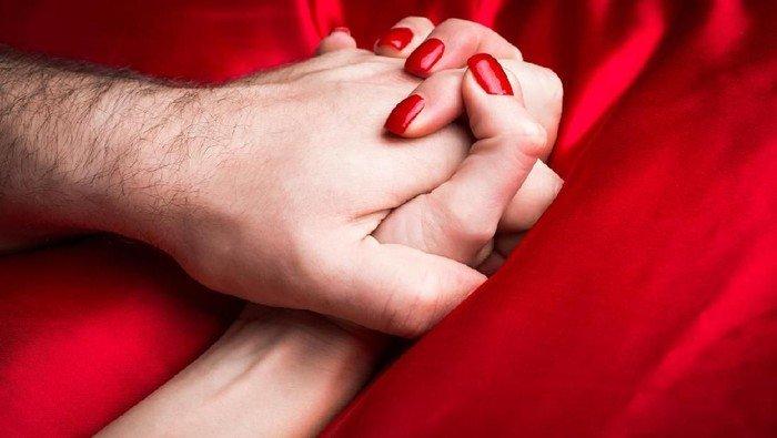 Kenapa Baju Merah Selalu Tampak Seksi?