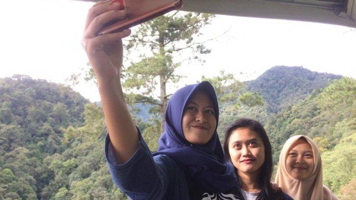 Ketahui Kepribadian Orang Lain Dengan Cara Berdandan dan Selfie