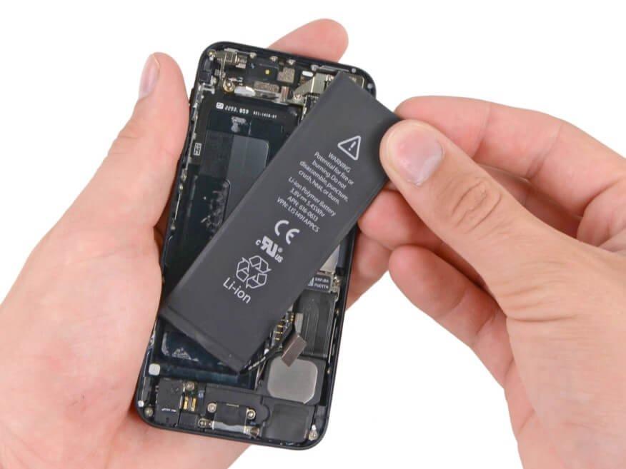 Ketahui Penyebab Baterai Smartphone Mengembung dan Cara Mencegahnya
