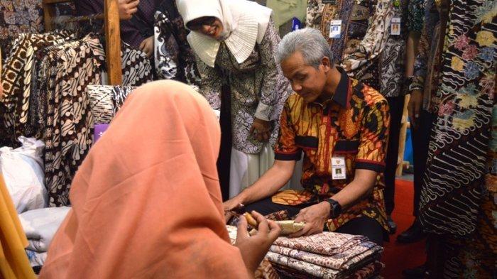 Khas Batang: Batik Rafiyah dilukis dengan Lantunan Shalawat Pukau Gubernur Ganjar