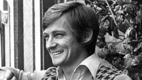 komedia australia, john cornell meninggal dunia setelah berjuang lama melawan penyakit parkinson