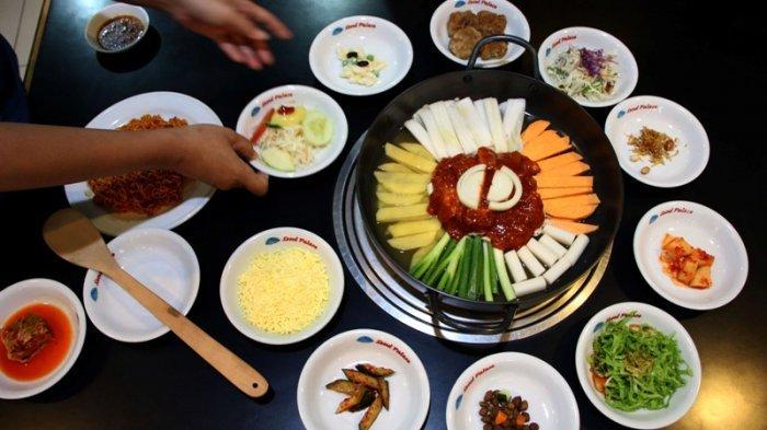 Menu Dak Galbi disajikan di restoran Seoul Palace, Jalan Pandanaran 109, Kota Semarang