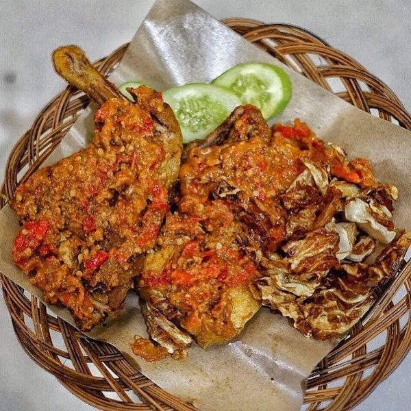 Kuliner Ayam Gepuk Pak Gembus di Semarang