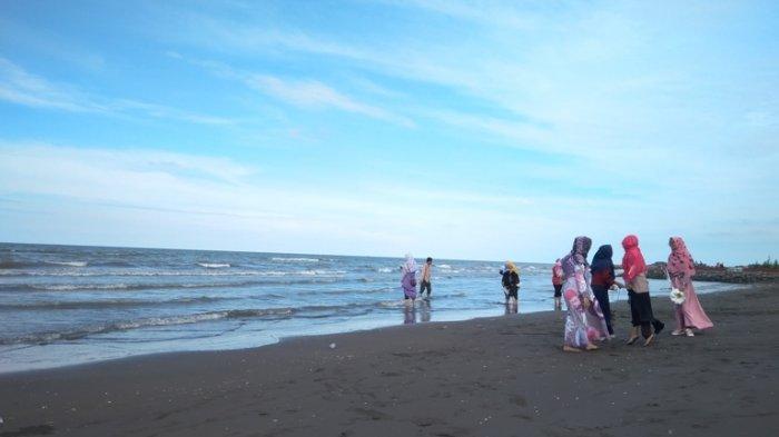 Mantap! Jogging Sembari Melihat Hamparan Laut Di Pantai Kota Tegal