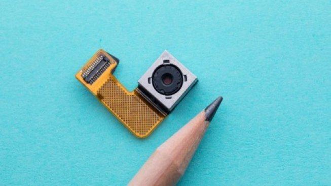Menginap di Hotel, Coba 5 Cara Mendeteksi kamera Tersembunyi
