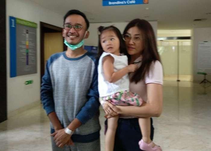 Menjalani Pemeriksaan Kehamilan Di Sebuah Rumah Sakit, Sarwendah Hamil?