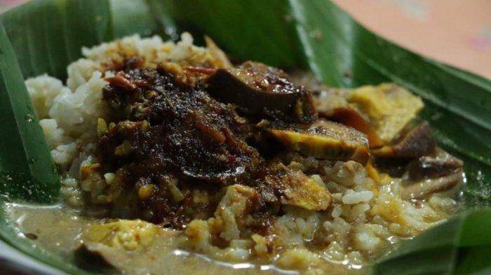 Nasi Gandul Kuliner Legendaris Khas Pati