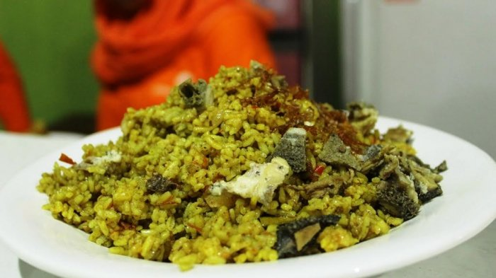 Nasi Goreng Padang Warung Bangjo Semarang, Pedasnya Nagih dan Nikmat