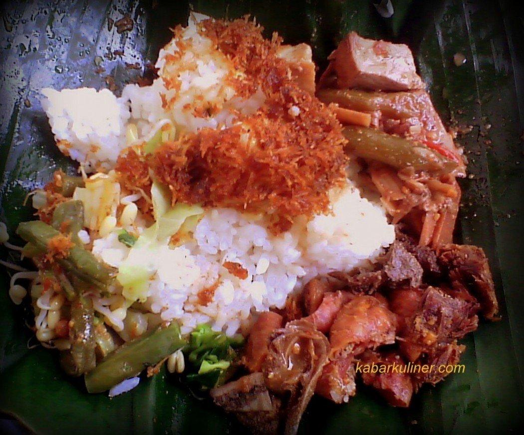 Nasi Rames Empal yang Nikmat di Warung Makan Kartoali Salatiga