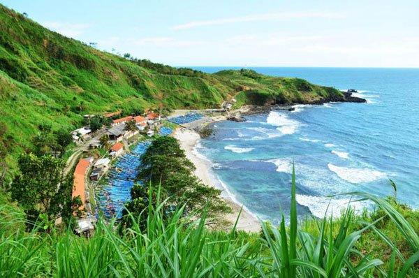 Pantai Menganti Keindahan Tersembunyi di Selatan Kebumen