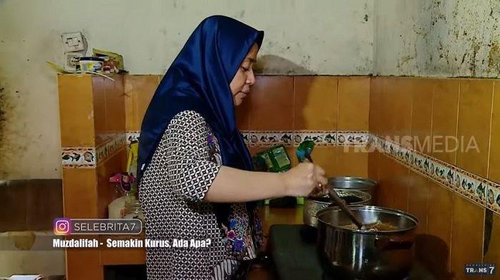 Penampakan Dapur di  Rumah  Rp 32 Miliar Milik Muzdalifah