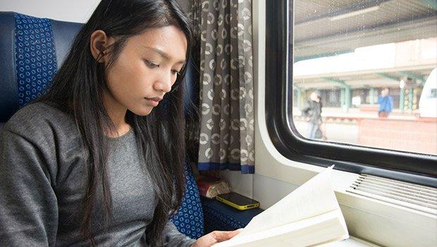 Penyebab Pusing Saat Membaca Selama Perjalanan