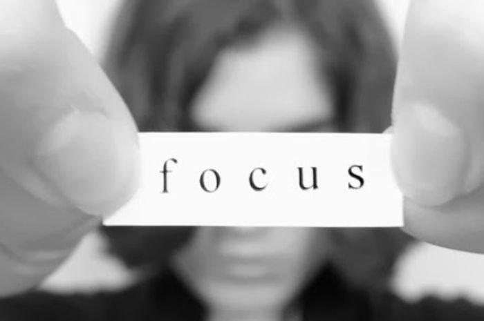 tips melatih fokus pikiran