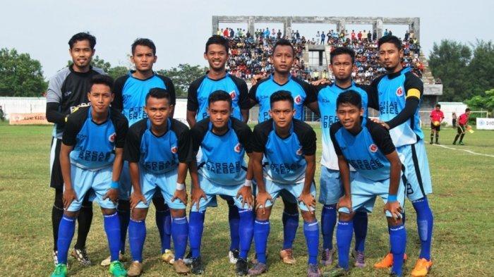 Pemain Persab Brebes berpose sebelum laga Liga 3 Jateng di Stadion Karangbirahi, beberapa waktu lalu