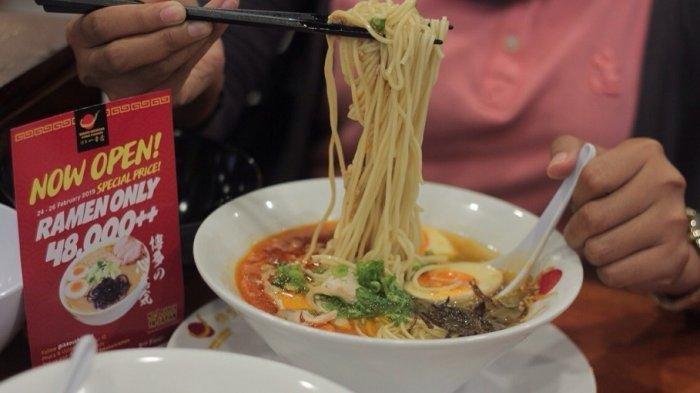 Restaurant Ramen Hakata Ikkousha resmi membuka outlet barunya di kota Semarang