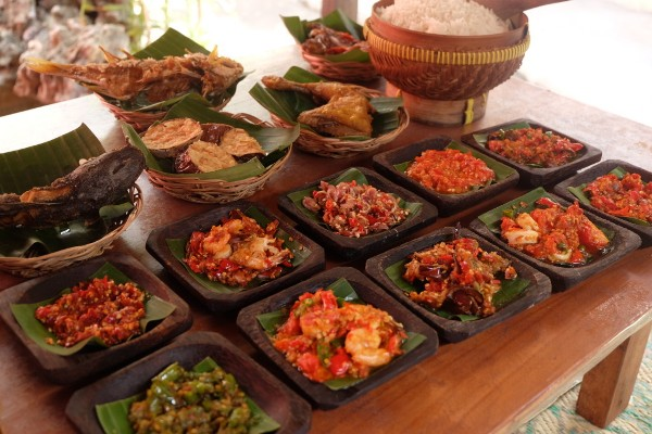 Rumah Makan dengan Berbagai Varian Rasa Sambal