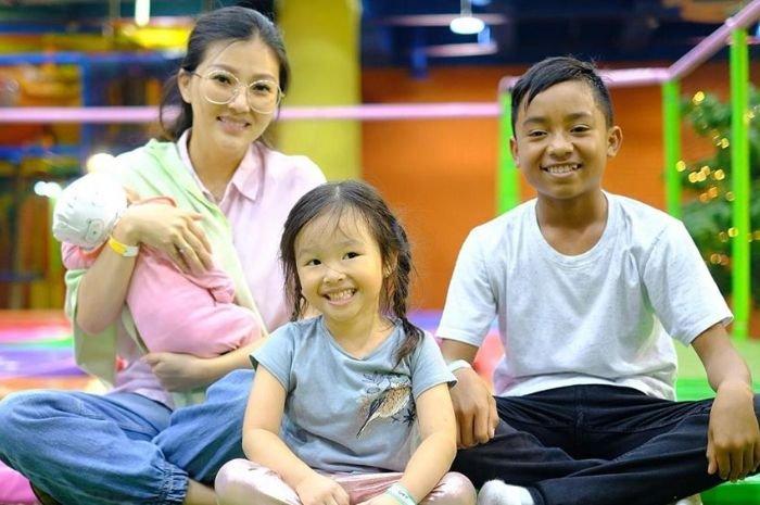Sarwendah Ibu Angkat Berhati Malaikat