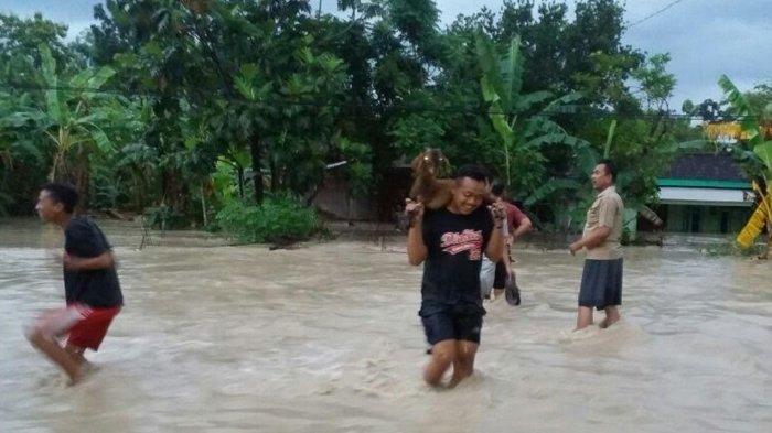 Sejumlah Pemukiman Di Grobogan Diterjang Banjir Akibat Tanggul Sungai Tlecer Jebol